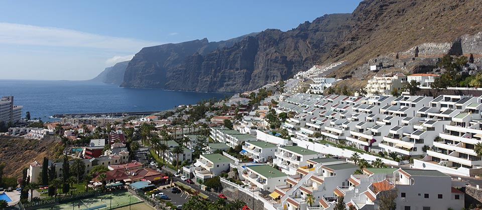 Los Gigantes View Sunny Day-min.jpg